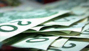 Copied from Media in Canada - money1