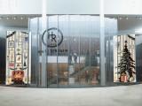 Holt Renfrew's Yorkdale digital display