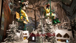 Holts-Holiday-Windows-2013-84-1