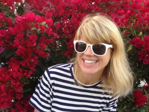 lyra on red flowers