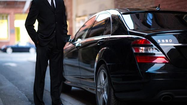 Black_Car_Driver_Color