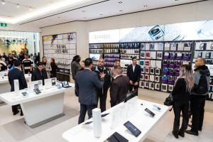 Samsung Experience Store Grand Opening. November 20, 2015. Toronto, Ontario Canada.  (photo: Vito Amati)