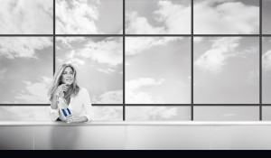 20150312_SmartWater_Aniston_Rooftop