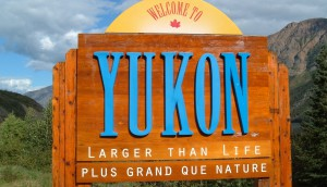 Yukon_border_sign