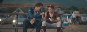 baseball_fistbump
