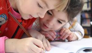 kids-girl-pencil-drawing-159823