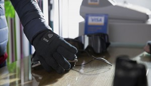 Visa_Lotte_Card_Wearable_Glove