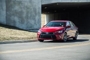2015_Toyota_Camry_013