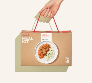 Meal Kit Box Hand