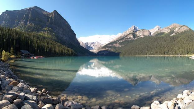 Alberta_-_Lake_Louise_-_Lake_view_01