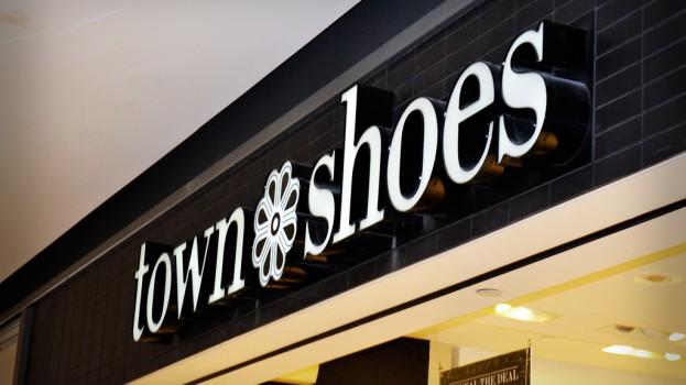 d76028654a54 16896260142 b333f63c2d b. Designer Shoe Warehouse (DSW) has announced it is  shuttering its Town Shoes ...