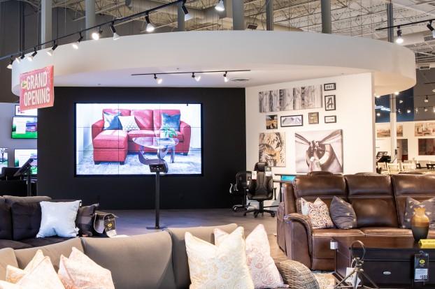 Leons-New-Store-Concept_HI-2