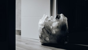 trash-near-door-1549528