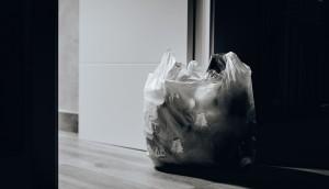 trash-near-door-1549528