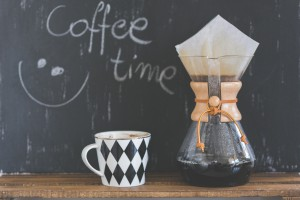 coffee-time-sentence-cup-of-coffee-and-chemex-6659