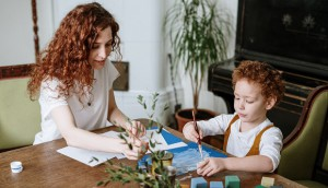 mother-and-son-painting-4039153