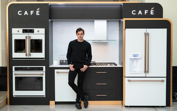 For the re-launch of GE Appliances' style-centric Café line, Craft tapped Canada's most stylish food expert – Queer Eye's Antoni Porowski – for social content integration, and kicked the program off with a VIP dinner at the AGO.