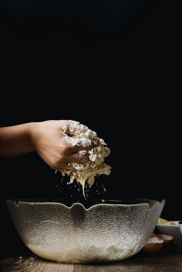 Baking via Gaelle Marcel, Unsplash