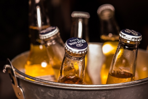 photo-of-corona-extra-bottles-on-bucket-1089932