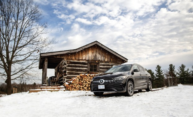 Pomp worked with Mercedes to offer influencers a once in- a-lifetime glamping event, escaping the city to a winter wonderland under a glass dome – safe and socially distant.